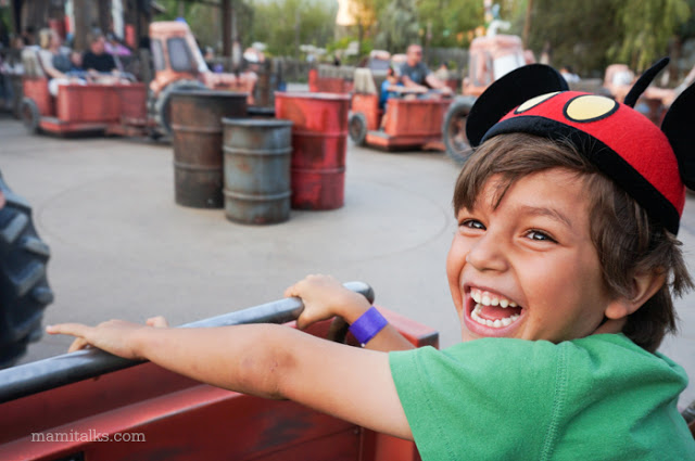 kid_riding_maters_ride_at_disneyland