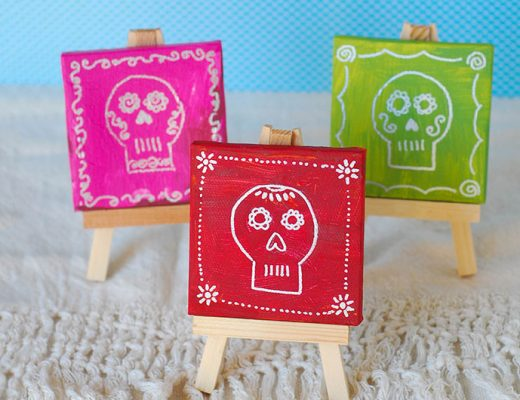 Día de los Muertos Mini Skull Paintings -MamiTalks.com