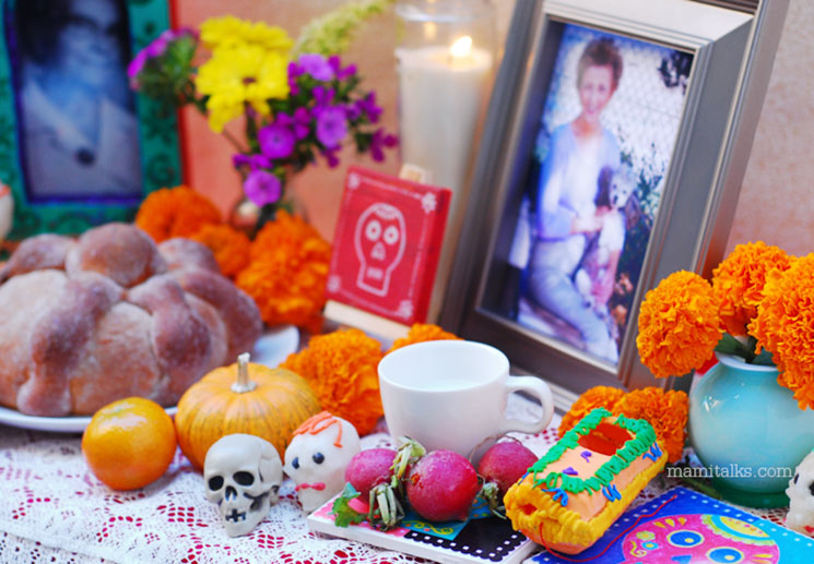 Day of the Dead Altar -MamiTalks.com