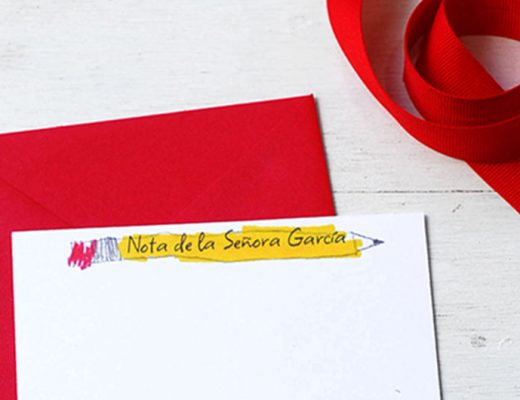 DIY Teacher gift: Personal stationery made by kids. -Mamitalks.com
