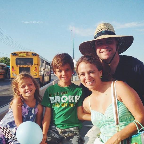 family-at-the-county-fair-mamitalks
