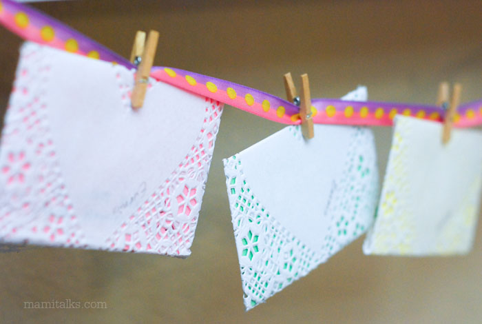 Hanged valentine notes. -MamiTalks.com