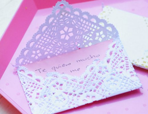 Love Notes made with paper dollies. -MamiTalks.com