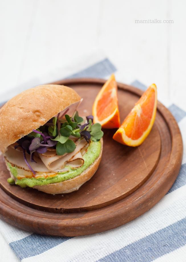 sandwich-con-salsa-de-cilantro-mamitalks