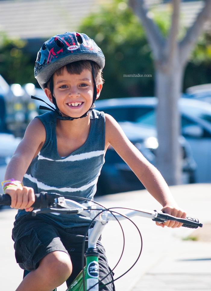 kid-riding-bike-mamitalks