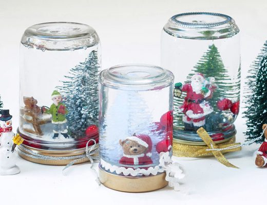 Snow globes DIY with jars -Mamitalks.com