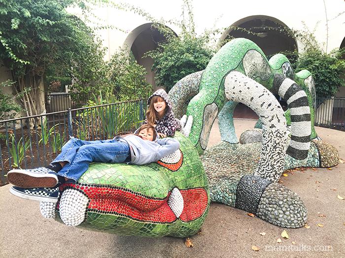 aligator-sculpture-balboa-park-mamitalks