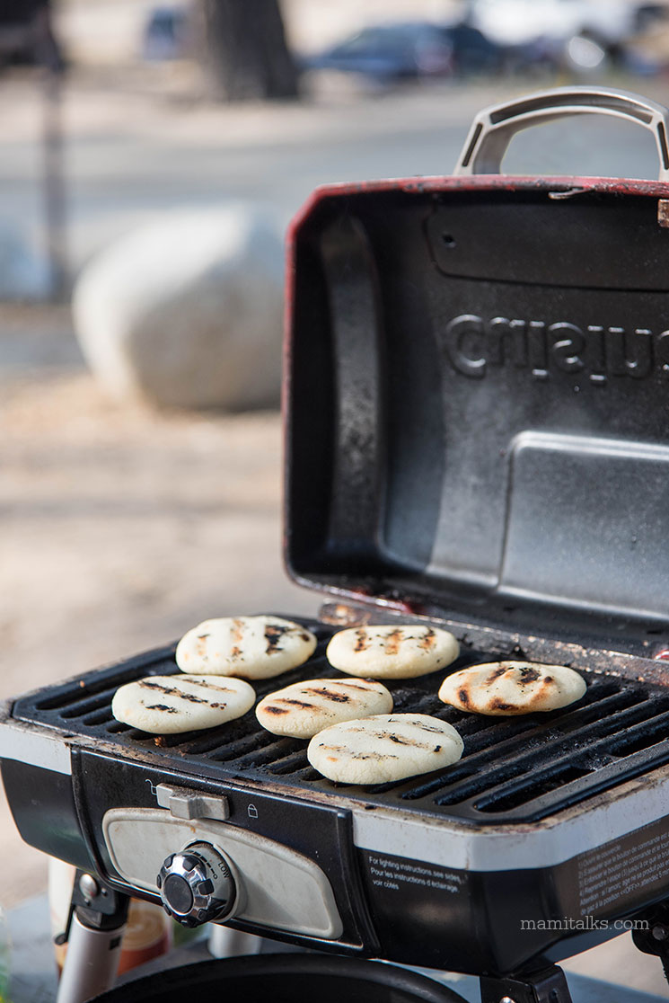 How to cook arepas while camping, there's two easy ways and they are both delicious! -MamiTalks.com