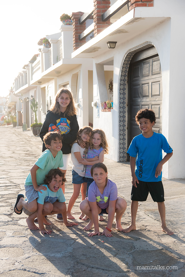 kids-travel-to-mexico-mamitalks