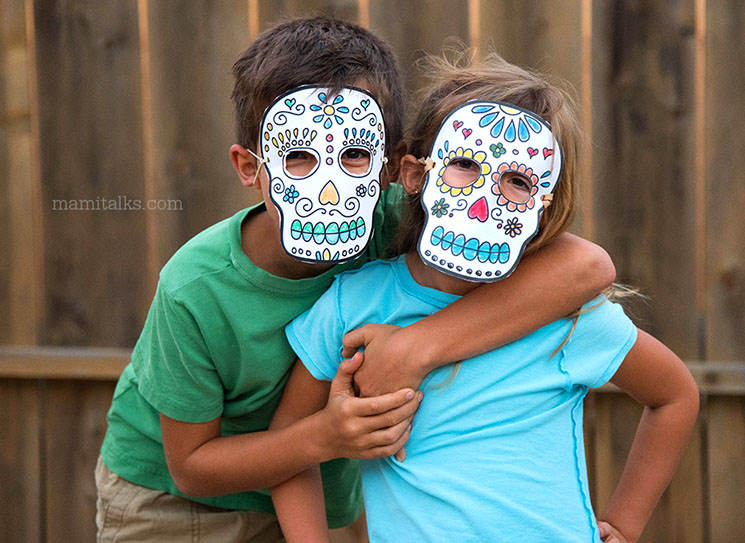 Free printable Sugar Skulls masks to color -MamiTalks.com