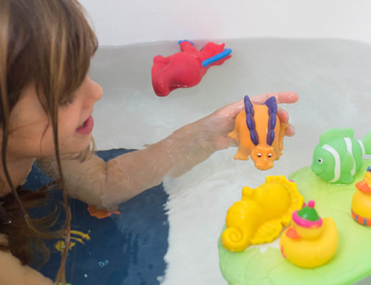 Best way to clean bath toys feature -MamiTalks.com
