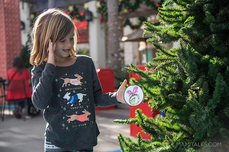 Hanging ornaments at the Grinchmas Universal Studios Hollywood -MamiTalks.com