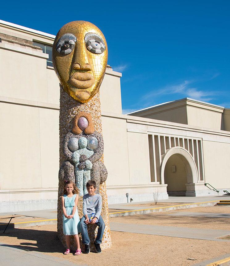 Grand Step Totem, Niki de Saint Phalle -MamiTalks.com