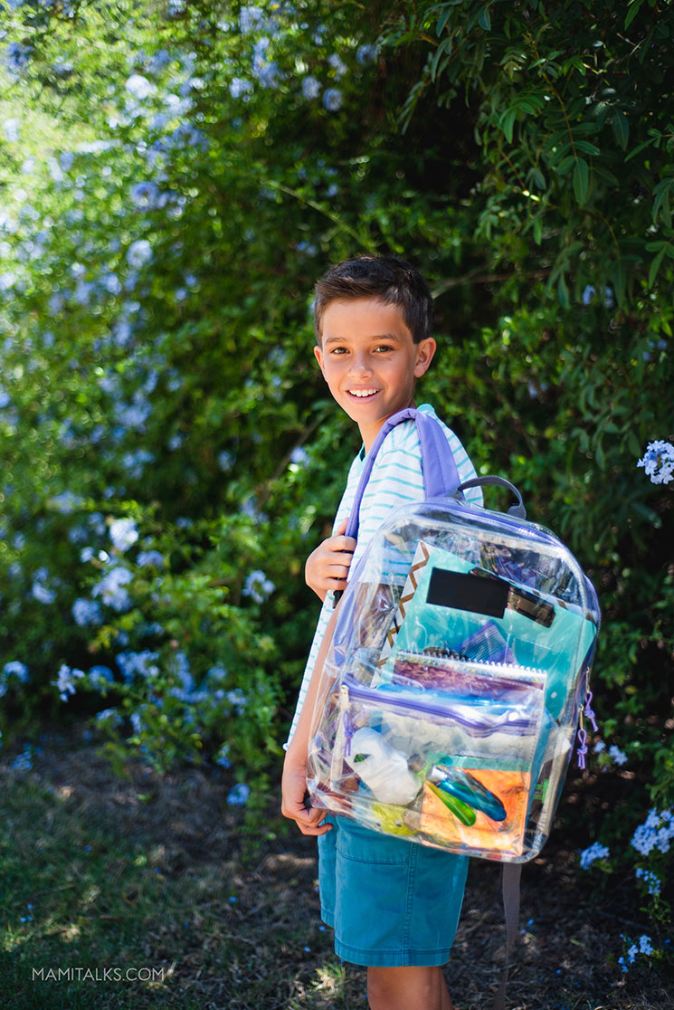 DIY KIDS' TRAVEL ACTIVITY BAG for kids up to 12. -MamiTalks.com