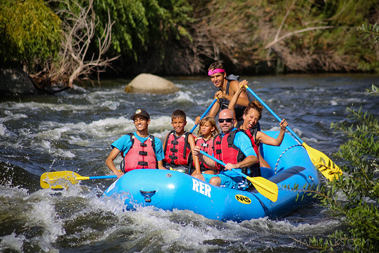 Family rafting in white waters, Bakerfield, CA. -MamiTalks.com