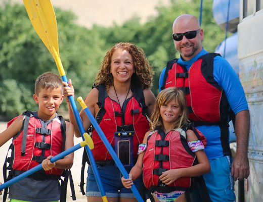 Family river rafting in Bakersfield, CA. -mamitalks.com