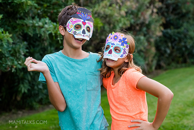 Kids with day of the dead masks, printables to color. -MamiTalks.com